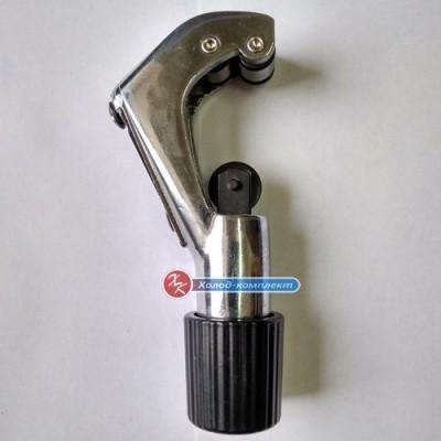 Труборез с ручкой 4-28 мм